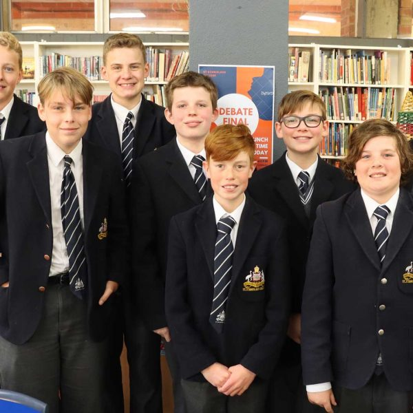 Students in library | St Stanislaus' Secondary College, Bathurst NSW